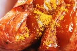 Currywurst mit Bier
