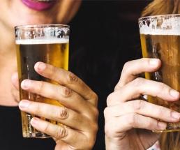 Frauen im Bierbusiness