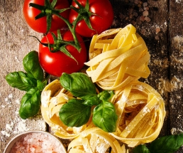 Tagliatelle mit getrockneten Tomaten