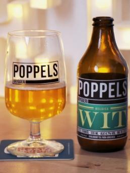 Poppels wit